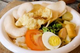 Gado-Gado (Indonesian Salad w/ Special Peanut Sauce)