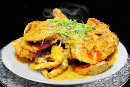 Salted Egg Crab 咸蛋螃蟹 (+/- 1kg)