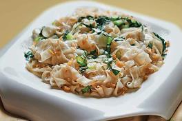 Teochew Kai Lan Fried Kuay Teow with Preserved Radish 芥兰菜脯炒粿条