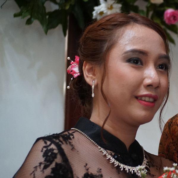Anisha Dewi Astrini