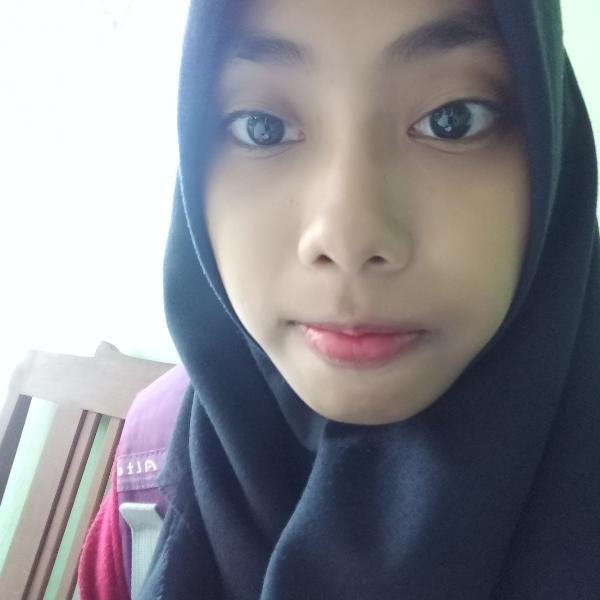 Inspirasi Warna Lipstik untuk Pemilik Kulit Sawo Matang