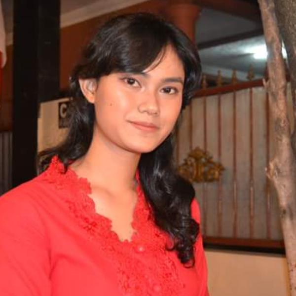 Shania Apria Namira