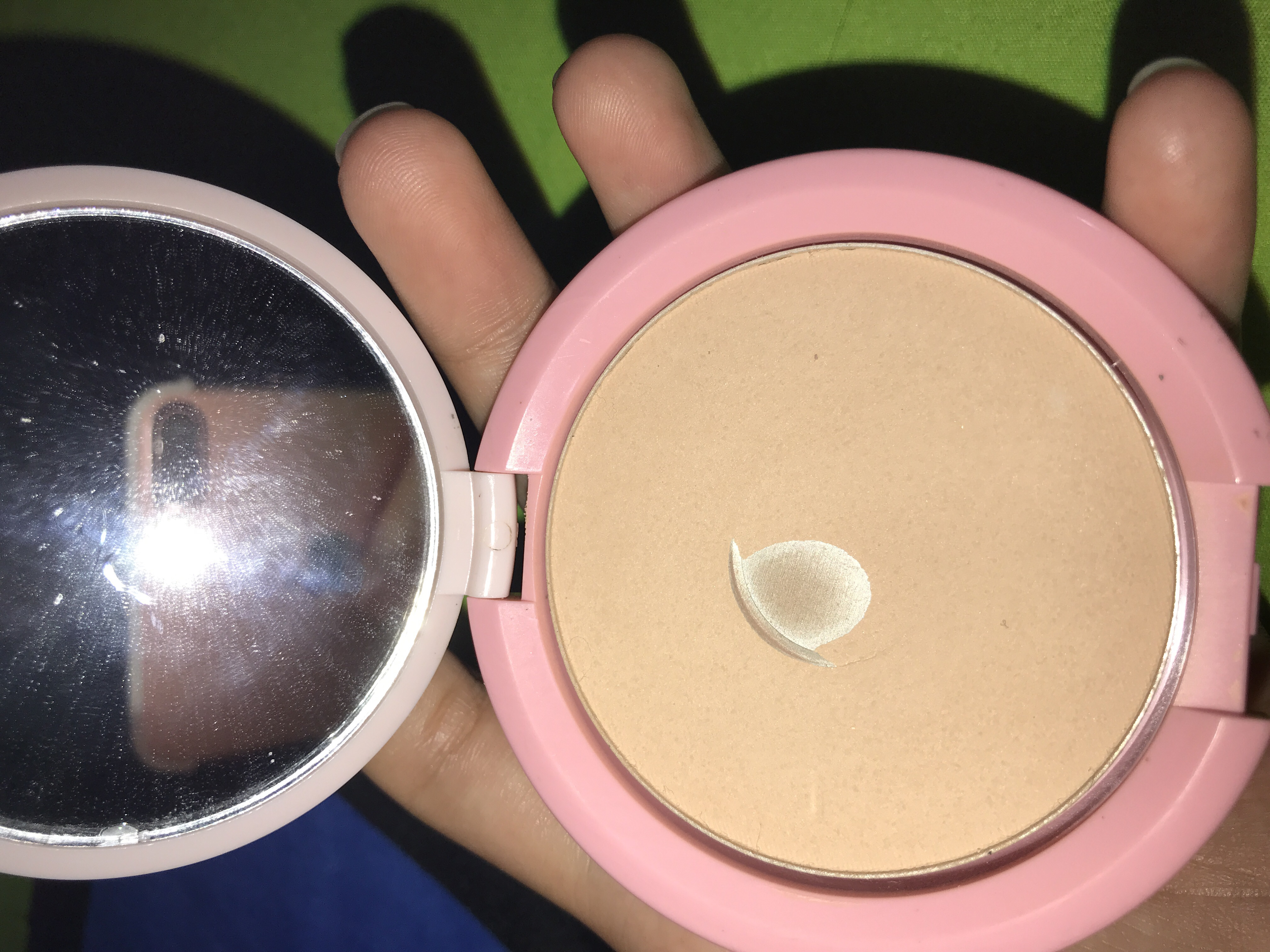 Review Emina Bare With Me Mineral Compact Powder Beauty Journal By Loose Yustira Yulindar