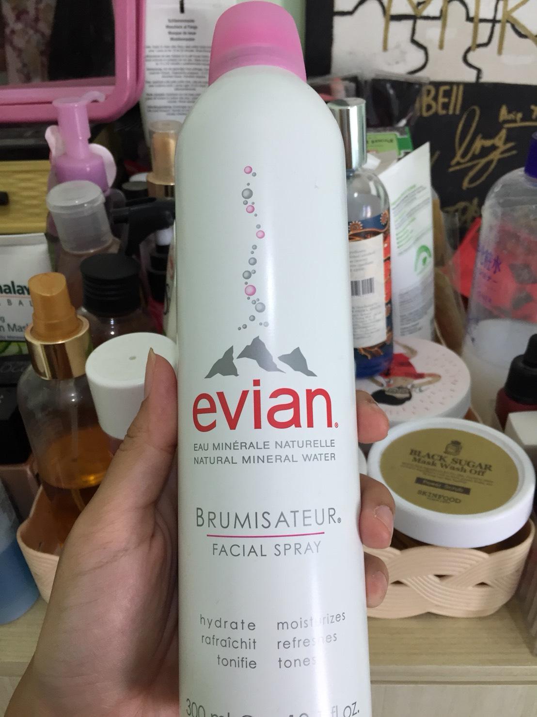 Review Evian Facial Spray 300ml Beauty Journal By Sociolla Gunakan Beberapakali Dalam Sehari Semprotkan Secara Melingkat Ke Bagian Wajah Tubuh Yang Membutuhkan Dengan Jarak 30cm Dari Permukaan Kulit