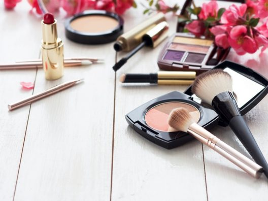 Peralatan Makeup yang Wajib Dimilki