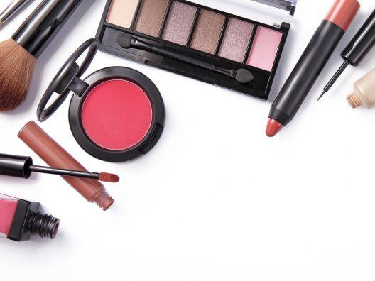 produk dan alat makeup yang wajib untuk pemula