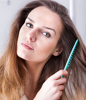 teknik saat menyisir rambut