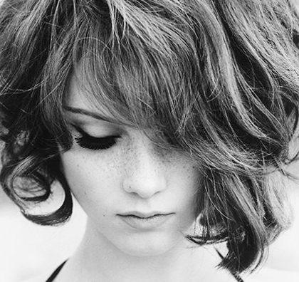 menata rambut pendek