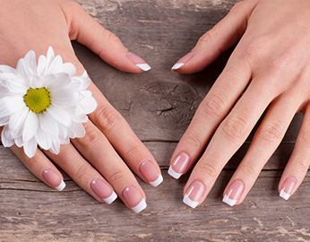 Manicure cantik sebelum liburan