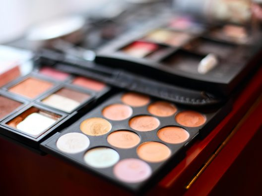 cara penggunaan eyeshadow palette