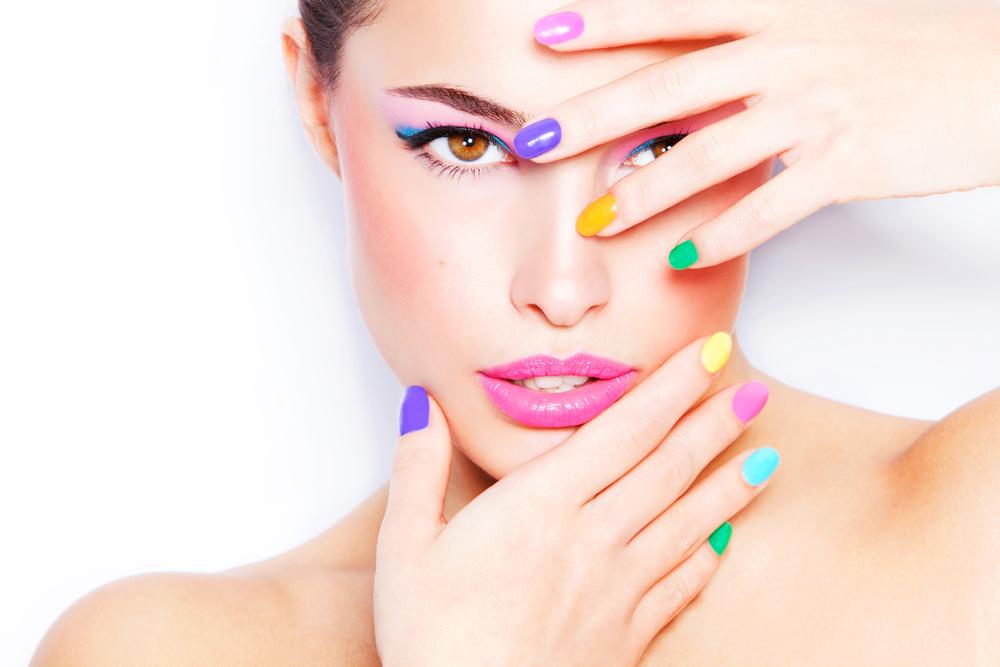 makeup bernuansa warna pastel