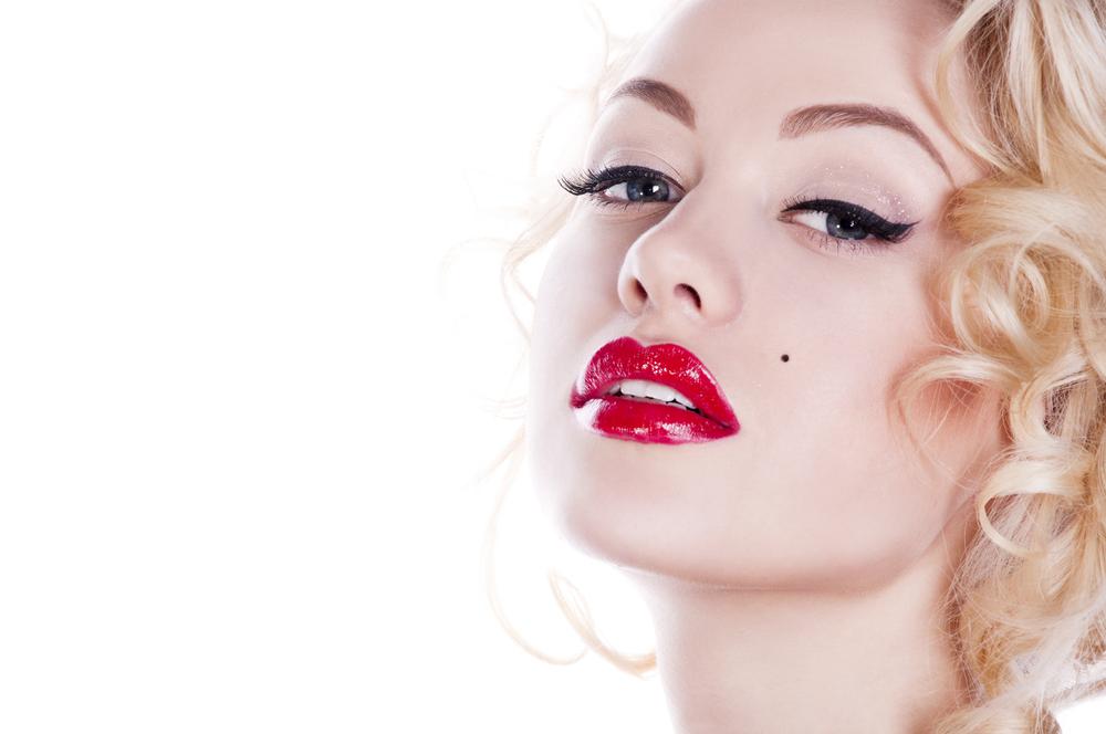 lipstick merah