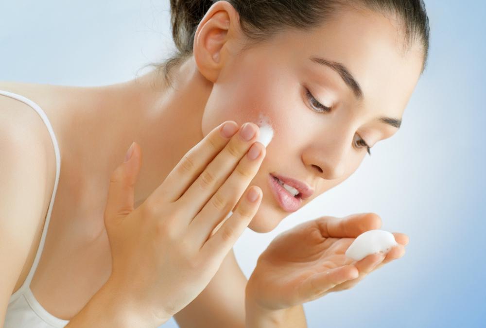 cleanser untuk kulit berjerawat