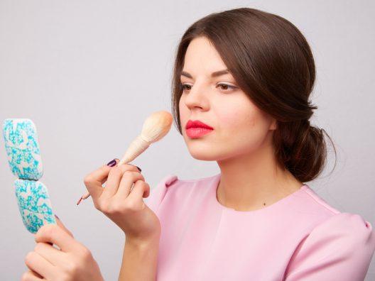 makeup tahan seharian