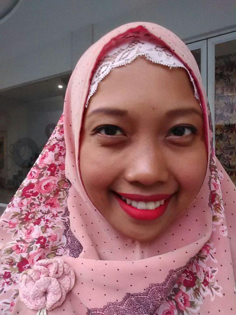 Review Wardah Exclusive Matte Lip Cream No6 Feeling Red Beauty Original Cair Saya Menggunakan