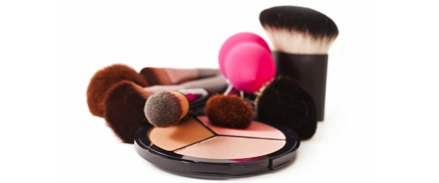 alat makeup untuk blush