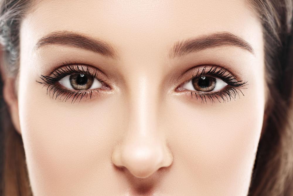 aplikasi eyeshadow
