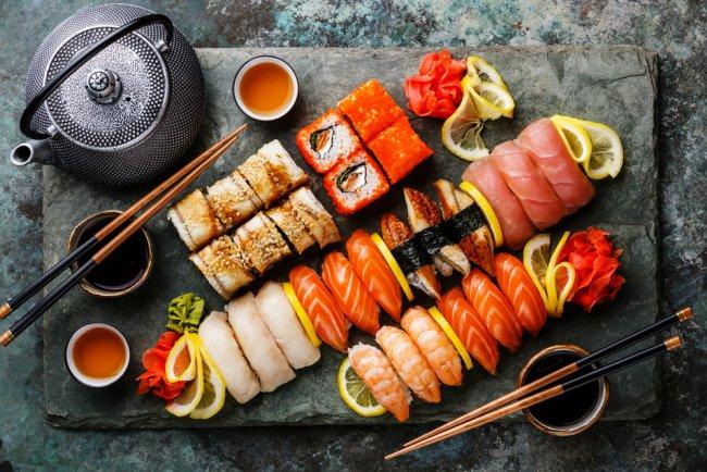 Kebiasaan Makan Wanita Jepang - Sushi