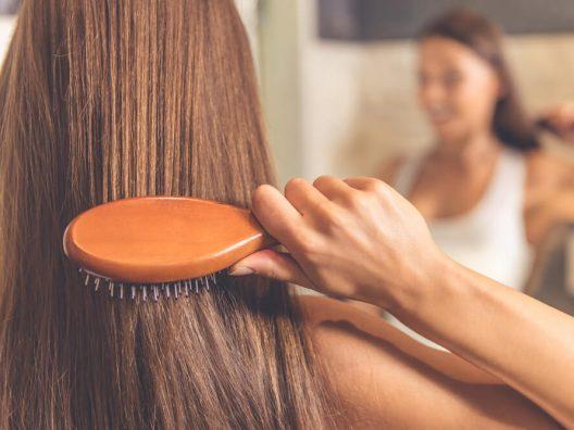 Kebiasaan Merawat Rambut yang Merusak Kulit - Cover