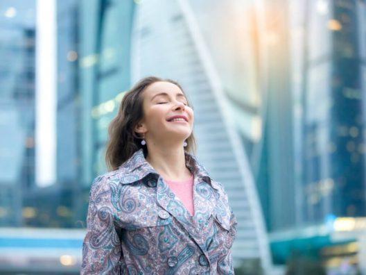 Cara Wanita Sukses Memulai Hari