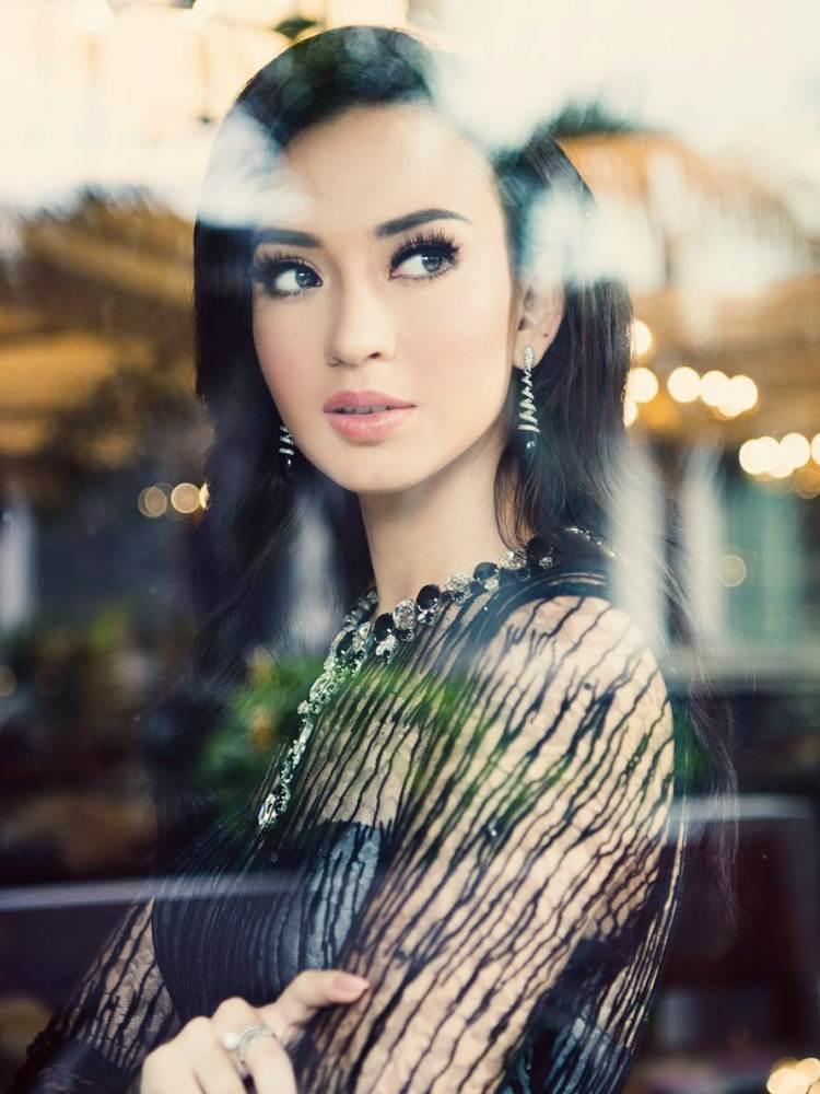 Puteri Indonesia Karina Nadila