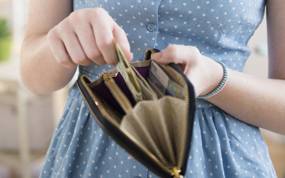 Trik Berhemat Setelah THR Habis - Bayar Dengan Uang Tunai