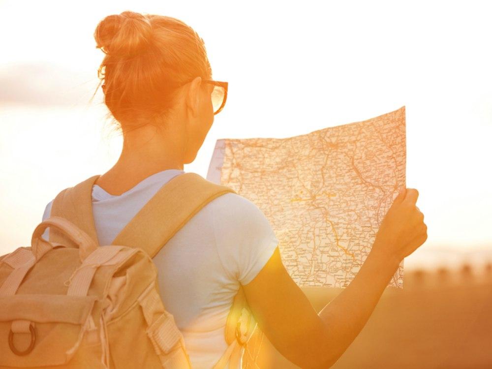 Tips Traveling Sendirian - Cover