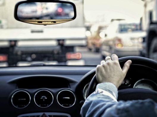 Bahaya Menyetir Terlalu Lama - Cover