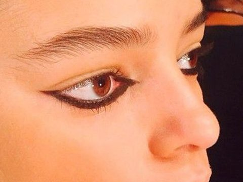 Reverse Winged Liner
