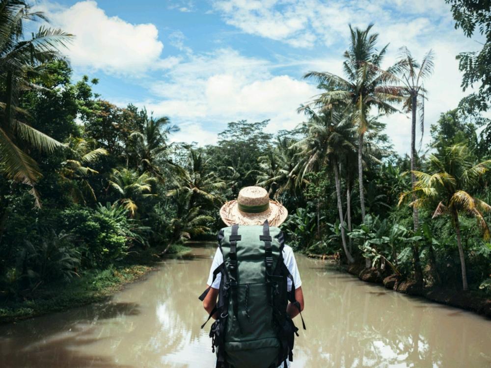 Traveling Sendiri Berdua Ramai Ramai 3