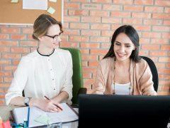 Tips Menghadapi Rekan Kerja Senior Cover