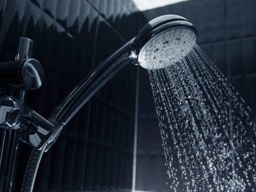Manfaat Mandi Pagi dengan Air Dingin