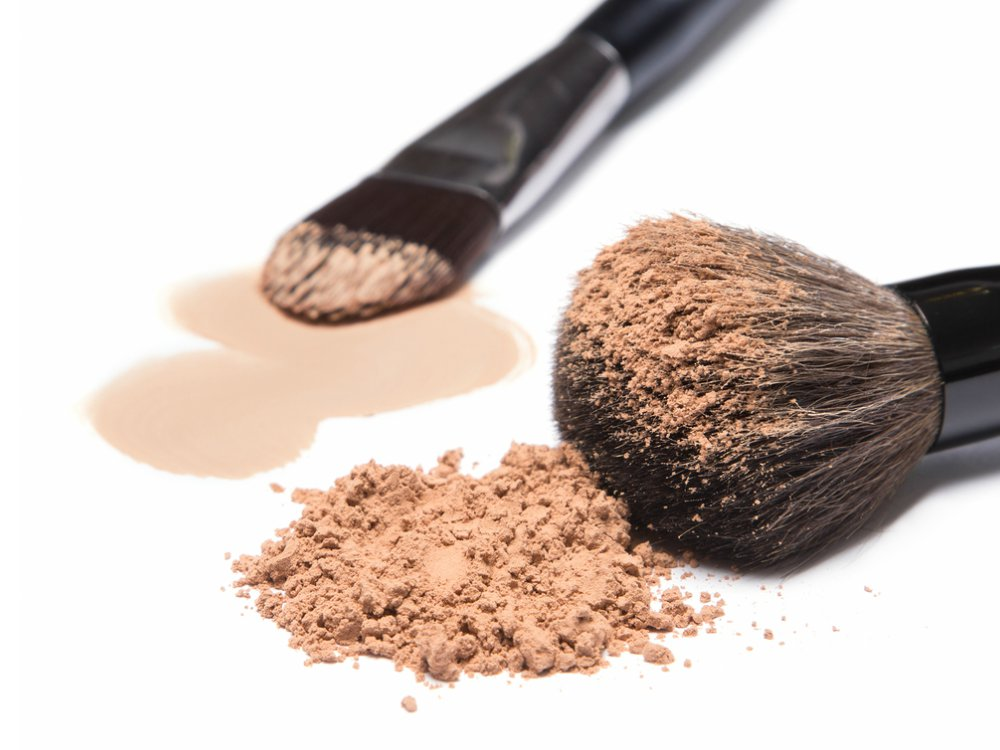 Liquid Foundation Atau Powder Foundation Cover