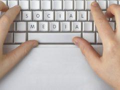 Aturan Berbagi Password Akun Media Sosial - Cover