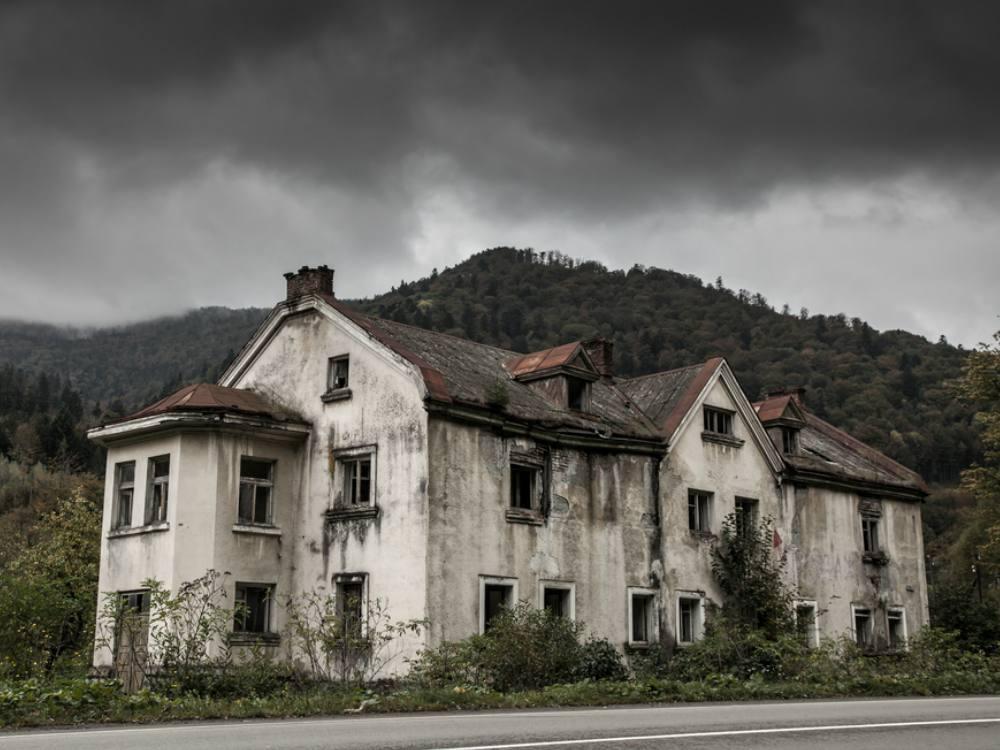 Kisah Horor dari 5 Rumah Hantu Paling Angker di Dunia