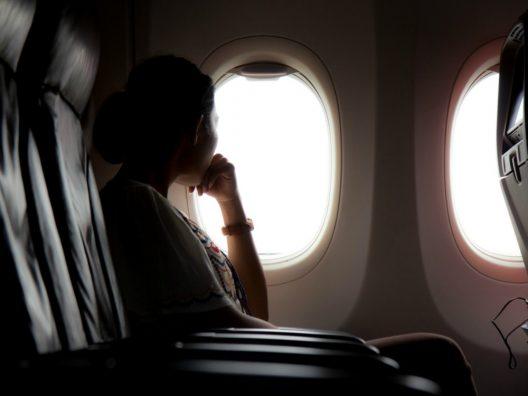 Kepribadian Berdasarkan Pilihan Tempat Duduk di Pesawat - Cover