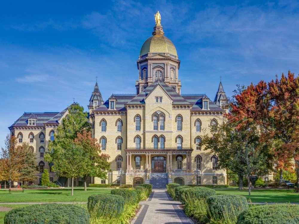 Sekolah Termegah di Dunia - Notre Dame
