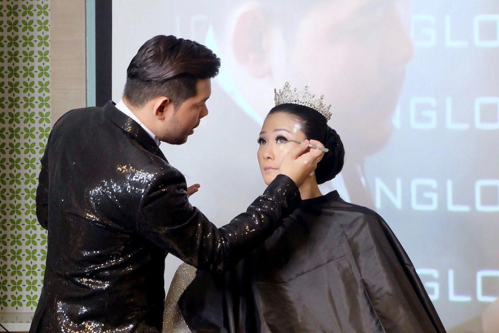 Makeup Class Blink Charm Noveo Alexander