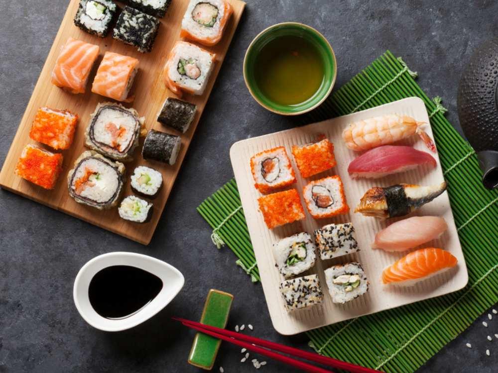 Parasit Cacing Pada Sushi - Cover
