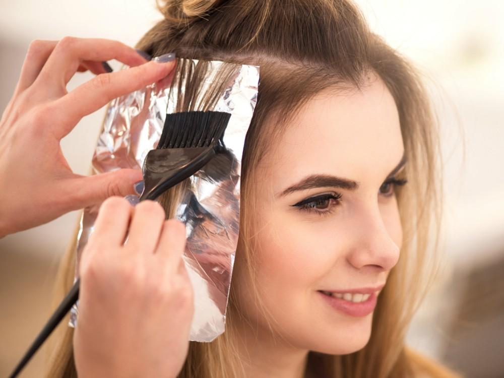 5 Hal yang Perlu Diketahui Sebelum Mengecat Rambut untuk Dapat ... 82ad51d3fb