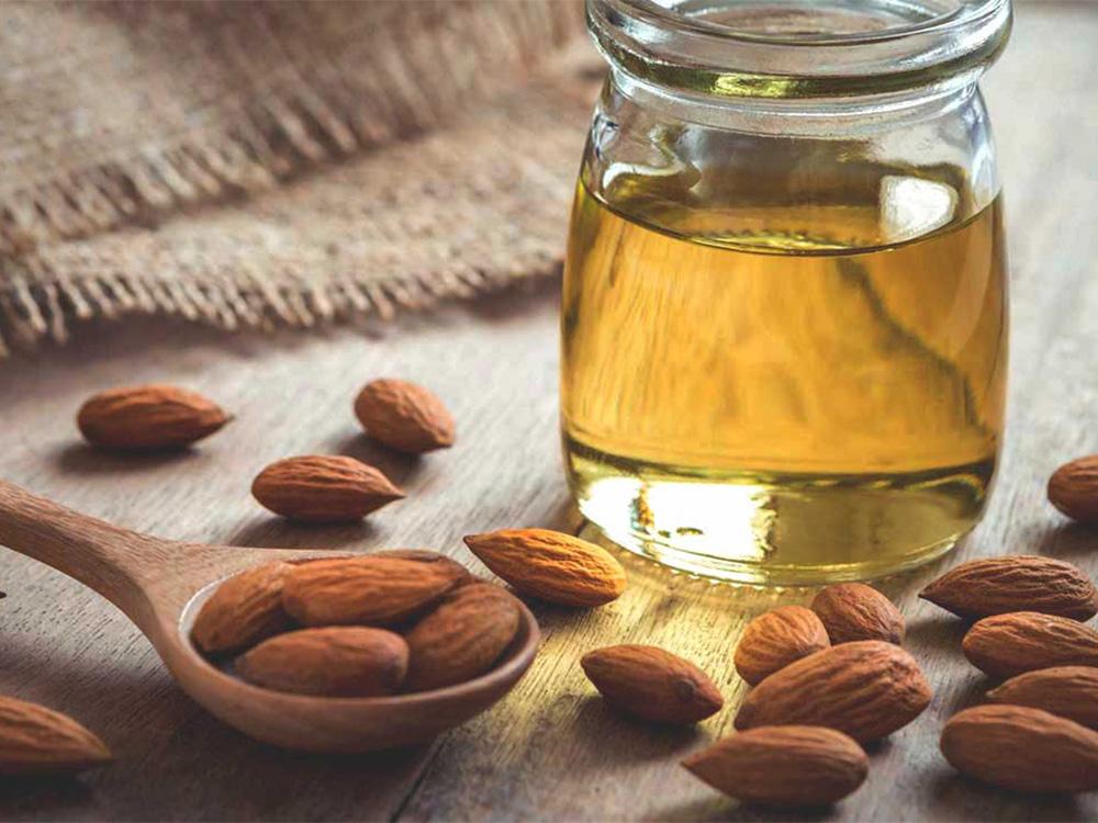 Manfaat Almond Oil