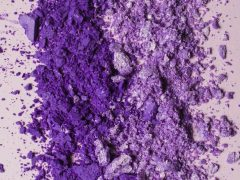 Produk Makeup warna Ultra Violet