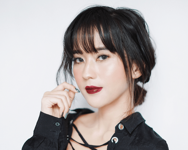 Inspirasi Model Rambut Poni dari Akun Instagram 5 Beauty Influencer ... c2e7858a9d
