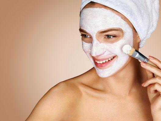 Masker wajah untuk kulit berminyak