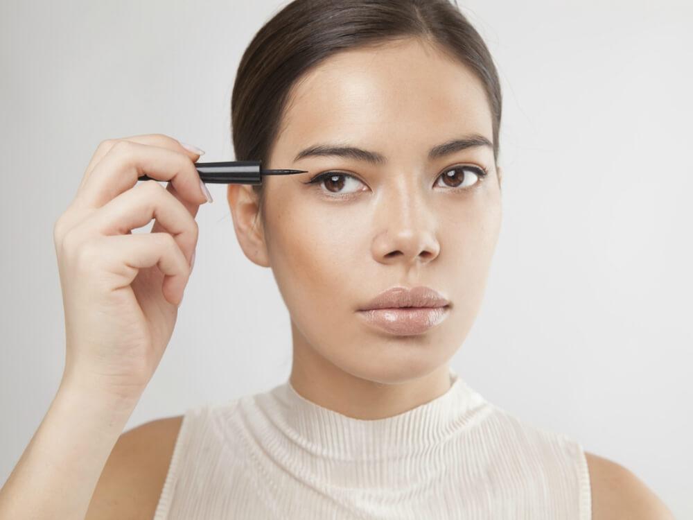 cara membuat eyeliner awet