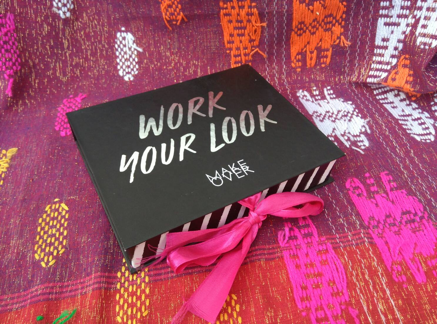 Make Over Office Glam Kit P