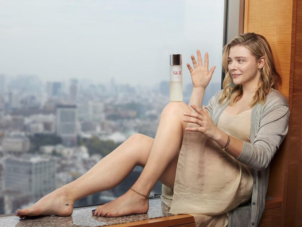 Kampanye Bare Skin Project SKII