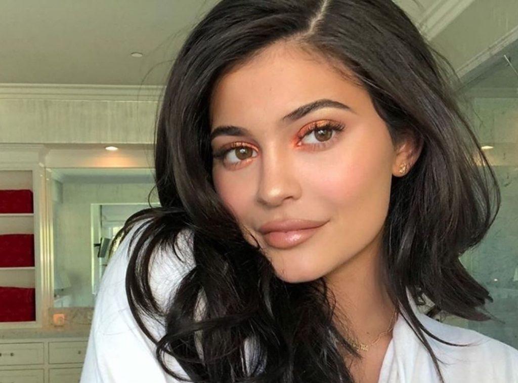 Tips Makeup ala Kylie Jenner