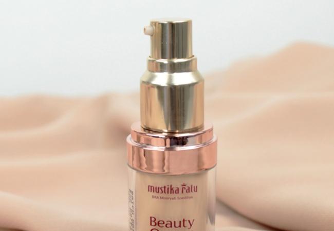 Review: Mustika Ratu Beauty Queen Foundation Dewy Finish