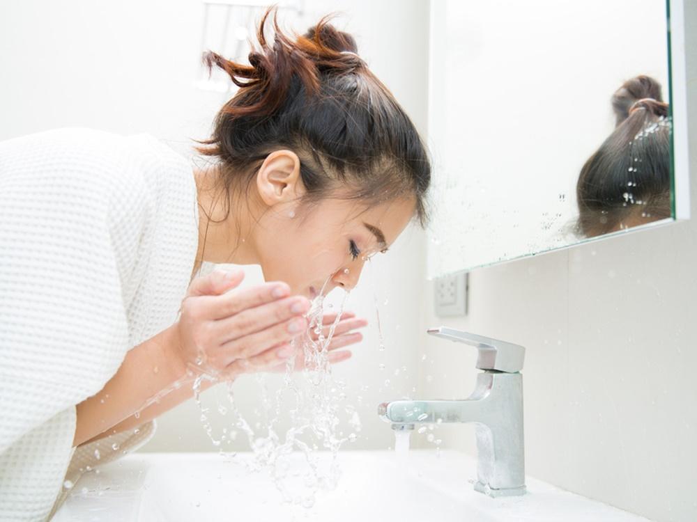 Tips Membersihkan Wajah yang Tepat Setelah Facial